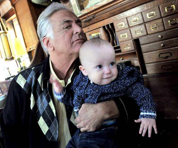 Barry Weiss and his child