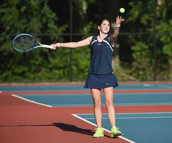 Daughter of Jill Rhodes and Sean Hannity playing tennis as she is member of Cold Springs Harbor