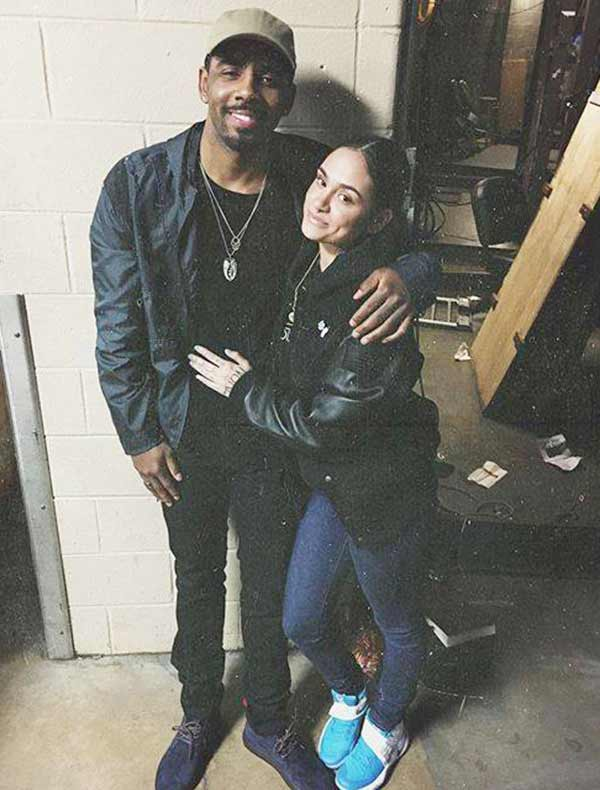 Kehlani hanging good time with boyfriend Kyrie Irving