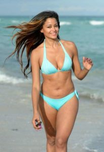 Image of Claudia Jordan net worth is $500,000 and yearly salary is $1.2 million. Monthly salary is $100,000