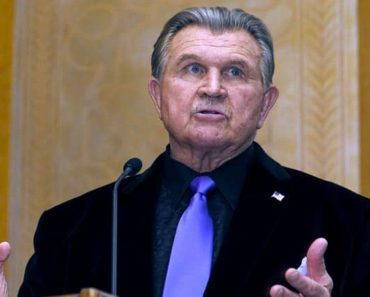 Image of Mike Ditka Net Worth. Meet His Wife Diana Ditka