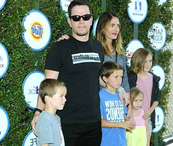 Image of Rhea Durham with her husband Mark Wahlberg and their kids