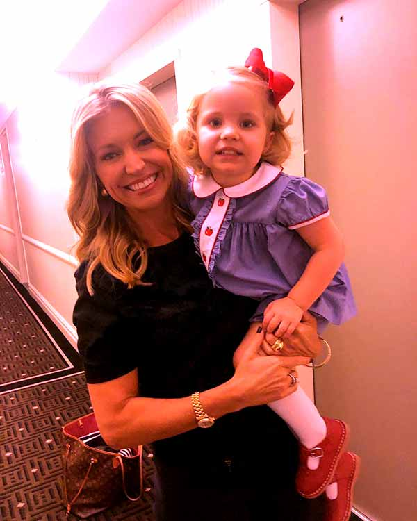 Image of Journalist Ainsley Earhardt with her baby, Hyden Dubose Proctor