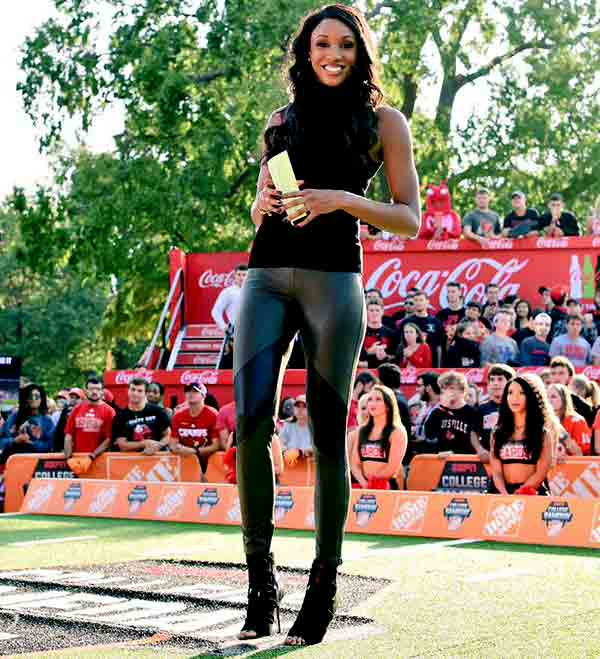 Image of Sports Analyst, Maria Taylor height is 6 feet 2 inches