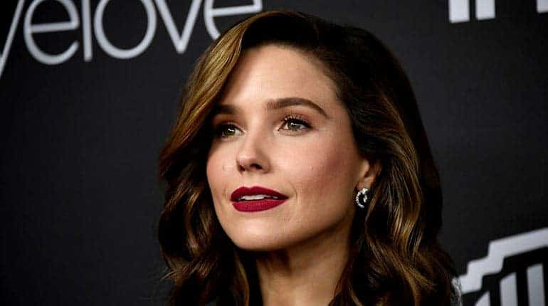 Image of Sophia Bush Net Worth, Height, Age, Wiki-Bio