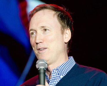 Image of Tom Shillue Net Worth, Salary, Age, Spouse, Measurements
