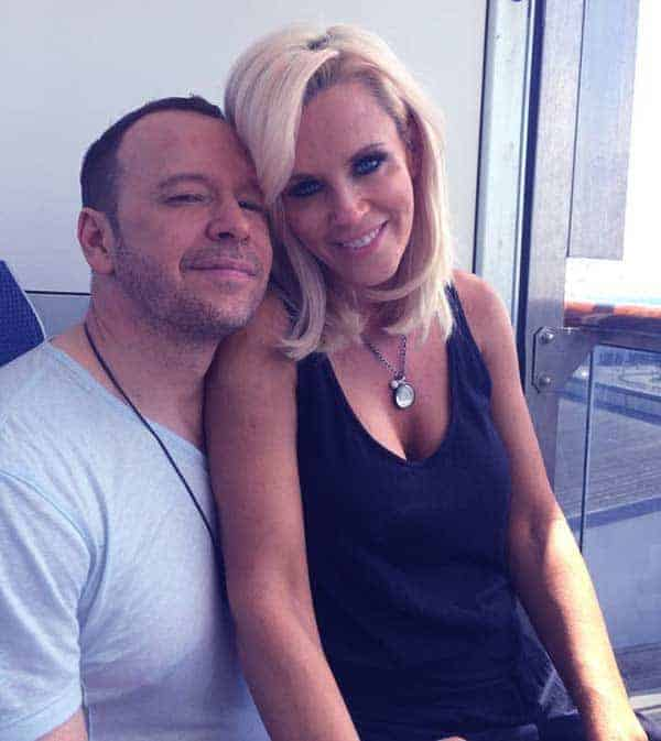 Image of Jenny McCarthy with her husband Donnie Wahlberg