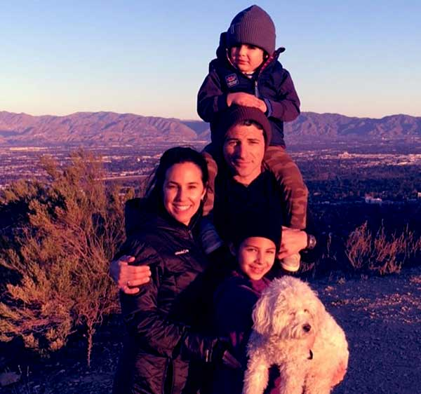 Image of Matt Gutman with his wife Daphna Gutman and with their kids